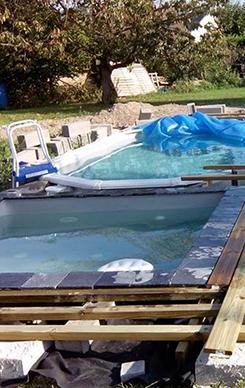 Piscine naturelle et les plantes puratrices utiliser for Construire sa piscine naturelle